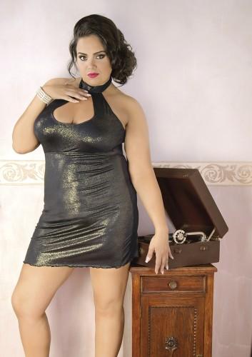 8c85a65eeef494 Seksowna, krótka złota sukienka mogąca spełniać rolę zarówno bielizny  erotycznej jak również kreacji wyjściowej.